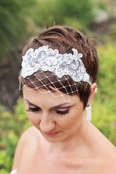 49 Ideas For Wedding Veils Short Tiaras Hair Pieces Tiara Hairstyles, Wedding Hairstyles With Veil, Short Wedding Hair, Wedding Hair Pieces, Trendy Hairstyles, Trendy Wedding, Headbands For Short Hair, Updo With Headband, Lace Headbands