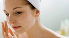 Com auto nível de antioxidantes e propriedades anti-inflamatórias, óleo vegetal a base de maconha promete ser o segredo para uma pele livre de acne.