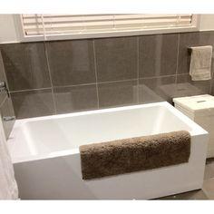 Lugo Freestanding Corner Bath RHS 1650mm