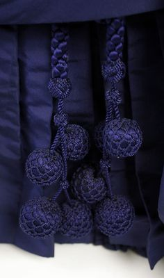 Dress 1886 detail