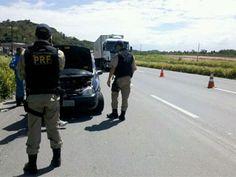 PRF inicia operação para o feriado nas rodovias de Pernambuco  BR-101 e BR-232 receberão uma maior atenção, devido ao movimento.  Ao todo, trabalham na operação 350 agentes, em 11 rodovias.