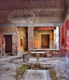 Ancient Roman Houses, Ancient Ruins, Ancient Artifacts, Ancient Rome, Ancient History, Pompeii Ruins, Pompeii And Herculaneum, Rome Buildings, Abandoned Buildings