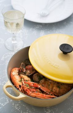 Rape a la marinera - Claudia&Julia Cocotte Le Creuset, Fish And Seafood, Pot Roast, Paella, Healthy Recipes, Healthy Food, Beef, Cooking, Ethnic Recipes