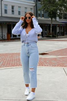 Thick cropped cardigan. Four button front closure. #iwearln Mode Outfits, Retro Outfits, Cute Casual Outfits, Jean Outfits, Fashion Outfits, Womens Fashion, Mom Jeans Outfit, Cardigan Outfits, Outfits With Mom Jeans