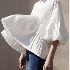 #sundayinspiration #fashionaddict #flare #whiteblouse