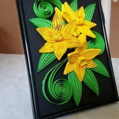 "1 kedvelés, 1 hozzászólás – Kiss Emese (@eme.kiss83) Instagram-hozzászólása: ""#quilling #quillingpaper #papercraft #crafts #flowers #quillingflowers #gifts"" Quilling, Craftsman, Instagram, Bedspreads, Artisan, Quilting, Paper Quilling"