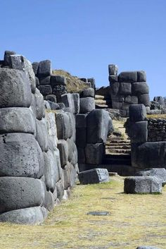 Incan fortress of Sacsayhuaman in the hills overlooking Cusco, Peru Machu Picchu, Chile, Maya Art, Places Around The World, Around The Worlds, Wonderful Places, Beautiful Places, Titicaca, Inca Empire