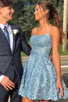 Charming Sky Blue A-Linie Lace Spaghetti Straps Homecoming Kleider, Short Prom Dr . - Charming Sky Blue A-Linie Lace Spaghetti Straps Homecoming Kleider, Short Prom Dress, – Simidress Kleider Source by selinalindert - Cute Homecoming Dresses, Event Dresses, Women's Dresses, Fashion Dresses, Wedding Dresses, Summer Dresses, Teen Prom Dresses, Freshman Homecoming Dresses, Winter Ball Dresses