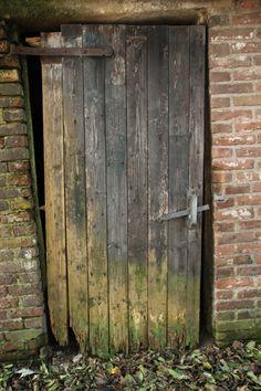 oude schuurdeur op de Veluwe