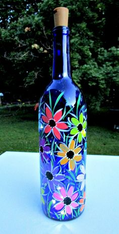 Wine Bottle Vases, Lighted Wine Bottles, Bottle Lights, Big Bottle, Bottle Candles, Perfume Bottles, Painted Glass Bottles, Glass Bottle Crafts, Recycled Bottles