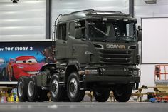 Scania Crew Cab Heavy-Haulage Tractor 2010 - Scania is one of the top 5 truck manufacturers in the world that provides trucks. The first major driver of Scania was revealed in It is also called It was developed as a private company Big Rig Trucks, Trucks For Sale, Custom Trucks, Cool Trucks, Fire Trucks, Pickup Trucks, Truck Bed Camper, Automobile, Scania V8