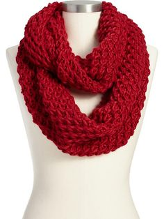 Women's Chunky-Knit Infinity Scarves Product Image