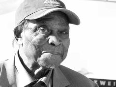 Honeyboy Edwards, blues musician