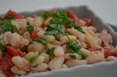 Insalata di fagioli, tonno e pomodorini