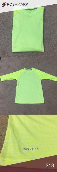 Nike Men's Dri Fit 3/4 Shirt Nike Dri Fit 3/4 sleeve shirt in perfect condition.  Men's size M Nike Shirts