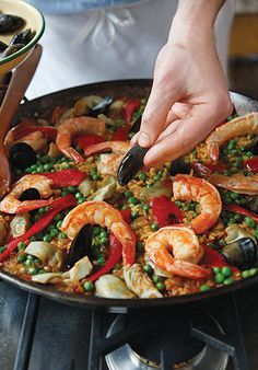 The Principles of Paella: Ensuring the Best Paella, building the flavors from the bottom-up | Saveur.com