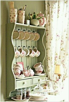 20 Shabby Chic Kitchen decor ideas for 2019 - Hike n Dip Planing to remodel your kitchen? Here is the best DIY DIY Shabby Chic Kitchen decor ideas for These Kitchen decor ideas are cute, soft and awesome. Cocina Shabby Chic, Muebles Shabby Chic, Shabby Chic Kitchen Decor, Shabby Chic Furniture, Shabby Chic Shelves, Distressed Furniture, Painted Furniture, Vintage Kitchen Decor, Handmade Furniture