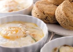 Baked Eggs With Cheese and Zucchini (Morning Recipes: Delicious Egg Dishes-Eggs contain a certain sequence of amino acids that makes egg protein easy for your body to absorb. Scramble, poach, or flip 'em over easy as the perfect post-workout meal) Easy Egg Recipes, Great Recipes, Favorite Recipes, Healthy Recipes, Healthy Meals, Healthy Eating, Organic Recipes, Delicious Recipes, Vegetarian Recipes