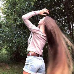 Long Hair Video, Super Long Hair, Beautiful Long Hair, About Hair, Hair Videos, Long Hair Styles, Woman, Instagram, Pretty