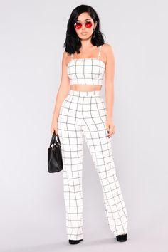Shop matching sets for women, two piece outfits with pants, shorts and skirts and cute co-ord sets for work-worthy looks, dynamite daytime styles and knock-out night ensembles. Cute Lazy Outfits, Classy Outfits, Stylish Outfits, Teen Fashion Outfits, Look Fashion, Girl Outfits, Checkered Outfit, Vintage Outfits, Jugend Mode Outfits