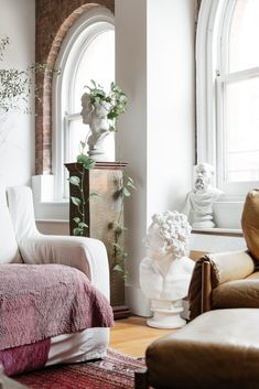 Inside A Tribeca Loft Filled With Not Your Grandmother S Antiques Living Room Designsinterior