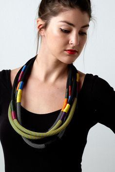 Pichulik @ http://www.etsy.com/listing/157434363/2x-african-ndebele-multi-coloured