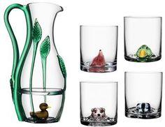 New Friends är konstnären Ernst Billgrens första glasserie i samarbete med Kosta Boda. Vackra glas och underbara konstverk!