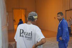 Pintura De Piso Epóxi Industrial, executado pela Pearl Do Brasil.