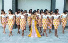 AFRICAN'S TOP WEDDING BLOG sur Instagram: The formation 🙌 please You can follow us here, Twitter & Pinterest #hustlersquare #wearmadeinnigeria #30BG #asoebifabrics #lagosweddings… African Wedding Theme, African Wedding Attire, African Attire, African Dress, African Traditional Wedding Dress, Traditional Wedding Attire, Latest African Fashion Dresses, African Print Fashion, African Bridesmaid Dresses