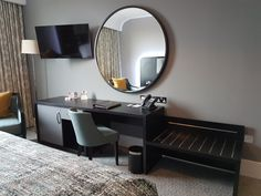 What a mirror! Kobe, Vanity, Island, Mirror, Furniture, Home Decor, Dressing Tables, Powder Room, Vanity Set