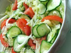 Gyors saláta Paella, Cucumber, Salads, Vegetables, Food, Red Peppers, Salad, Hoods, Vegetable Recipes
