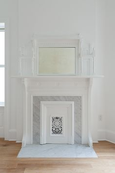 antique fireplace details / marble surround