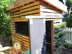 LEED AP architect Andy Creath and his firm, Green Roofs Colorado, collaborated on this earth-friendly playhouse as part of a Boulder-based fundraiser for Growing Gardens, which benefits the city's community garden education center. The recycled-pallet structure has a sliding chalkboard door, botanical boxes and even a little porch.