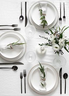 Easy Ideas for Creating a Modern Minimal Table Setting | Homey Oh My!