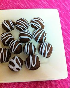 Skinny Oreo Truffles- 3 ingredients- makes 20 and is only 25 calories each!!!