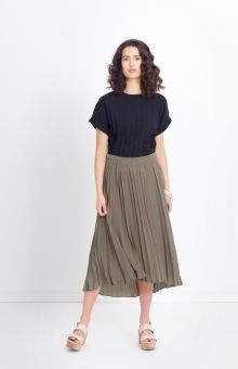The Tekstur Midi Skirt by ELK has been crafted from a permanent pleat fabric with a high low hem. Elk Accessories, Pleated Fabric, Signature Look, Yellow Black, Short Skirts, Midi Skirt, Women Wear, How To Wear