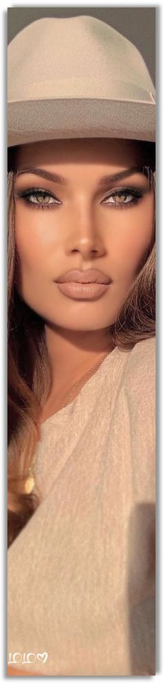Arina Bernardini Drozdetckaia #ArinaBernardiniDrozdetckaia Laura Croft, All Things Fabulous, Pretty Girl Swag, War Paint, Pretty Face, Unique Fashion, Plus Size Fashion, Make Up, Vip Group