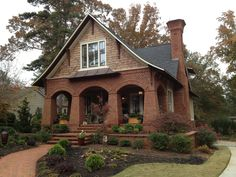 Revisiting the Elias Cottage Craftsman Exterior, Craftsman Style Homes, Craftsman Bungalows, Craftsman Houses, Craftsman Decor, Bungalow Exterior, Beautiful Architecture, Beautiful Buildings, Architecture Details