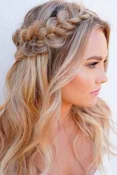 This is one of the cutest half up half down hairstyles for long hair! , This is one of the cutest half up half down hairstyles for long hair! Down Hairstyles For Long Hair, Braided Hairstyles, Wedding Hairstyles, Bridesmaid Hairstyles, Hairstyles 2018, Everyday Hairstyles, Popular Hairstyles, Wedding Updo, Semi Formal Hairstyles