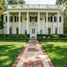 Style Profile: Amy Berry - The Glam Pad Traditional Interior, Traditional House, Pastel House, Grand Homes, Texas Homes, Park Homes, Spanish Style, Spanish Colonial, White Houses