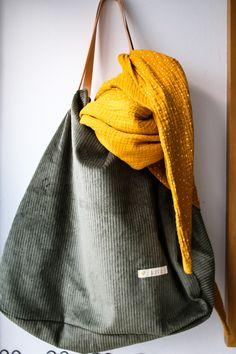 Diy Purse, Tote Purse, Textiles, Shopper Bag, Bucket Bag, Sewing Patterns, Pouch, Couture, Purses