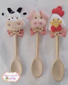 Diy Home Crafts, Felt Crafts, Crafts To Make, Sewing Crafts, Felt Doll Patterns, Craft Patterns, Handmade Felt, Handmade Crafts, Wooden Spoon Crafts
