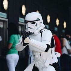 Storm trooper waiting for his Stocktoncon tickets! @stocktoncon  @stocktonca @visitstockton #cosplay #stormtrooper #starwars #stocktoncon #Stockton #stocktonca #stockton209 #theforceawakens by castleguy