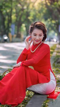 Best 12 a Ao Dai, Stylish Dresses, Nice Dresses, Japanese Kimono Dress, Vietnam Costume, Thing 1, Vietnamese Dress, Beautiful Asian Women, Asian Fashion