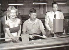 Marilyn during the filming of Niagara, 1952. Photo by Jock Carroll.