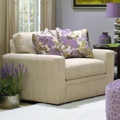 Brimming with storied style and artful detail, this beautifully crafted design brings sumptuous comfort and timeless elegance to your home d�cor.    ...