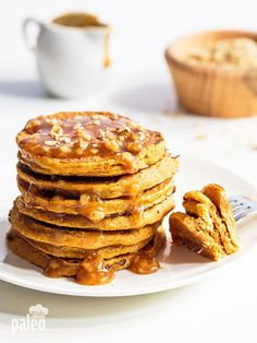 Paleo Pumpkin Pancakes with Caramel Sauce Holy moly are these pumpkin pancakes to die for! And they only have 3 ingredients.Holy moly are these pumpkin pancakes to die for! And they only have 3 ingredients. Paleo Recipes, Whole Food Recipes, Cooking Recipes, Paleo Pumpkin Recipes, Paleo Dessert, Paleo Breakfast, Breakfast Recipes, Pancake Recipes, Pumpkin Breakfast