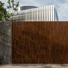 #project Casa JZL #riodejaneiro #brasil #brazil⠀ @bernardesarq⠀ #photography #fotografia #architecture #arquitetura #casa #house #interior #interiordesign #decor ⠀ —⠀ follow the link in the description above⠀