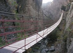 Place: Hanging bridges, Monachil, Granada / Andalucía, Spain. Photo by: Unknown