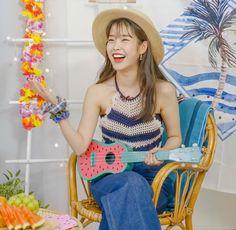 Iu Hair, Love U Forever, Lilac Hair, Cute Korean Girl, Korean Actresses, Queen, Aesthetic Videos, My Little Girl, Ulzzang Girl
